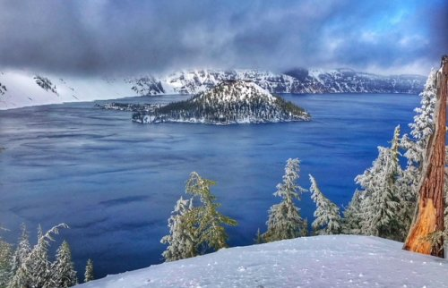 Crater Lake National Park -- snow